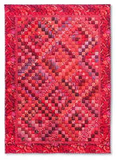 nifty quilts: Red Quilt and Some Fun News! Bonnie Hunter free pattern Trip Around the World Bright Quilts, Colorful Quilts, Blue Quilts, Scrappy Quilts, Small Quilts, Serger Patterns, Quilt Patterns, Strip Quilts, Patch Quilt