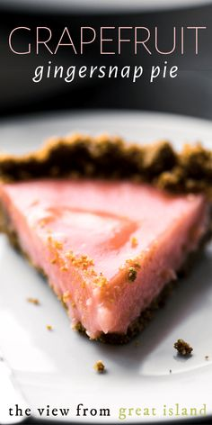 Grapefruit Gingersnap Pie ~ this tangy pie is a riff off of my popular Cranberry Gingernsap Pie, which was just too good to let alone, hence, a new citrusy twist on this luscious dessert that everyone is going to flip for. Grapefruit Recipes Dessert, Grapefruit Tart, Citrus Recipes, Tart Recipes, Baking Recipes, Dessert Recipes, Grapefruit Ideas, Winter Desserts, Desserts For A Crowd