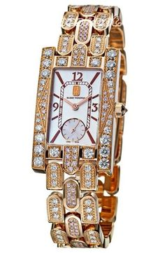 It's a little bit over the top but that's what makes it fabulous. Great Harry Winston piece