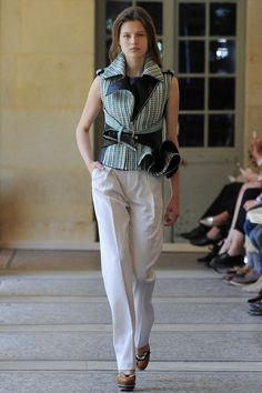 Bouchra Jarrar Parigi - Haute Couture Fall Winter - Shows - Vogue. Elle Fashion, Runway Fashion, Fashion Show, Womens Fashion, Paris Fashion, Bouchra Jarrar, Fashion Details, Fashion Design, Review Fashion