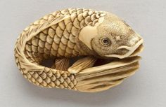 Ivory netsuke of a carp By Masanao (Kyoto, late century) Porcelain Ceramics, Painted Porcelain, China Porcelain, Traditional Japanese Art, Fish Sculpture, Asian Decor, Tiny Treasures, Barbie Collector, Assemblage