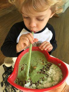 Smoothie Bowl Recipe with E3Live AFA | Philosophie
