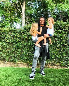 いいね!981件、コメント37件 ― EVIS XHENETI SHAFFERさん(@evis_xheneti)のInstagramアカウント: 「Daddy is home ❤️ FINALLY !!!!!」