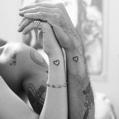 Image via We Heart It https://weheartit.com/entry/135257956/via/32013356 #black&white #heart #love #sweet #tattos #boyfriends