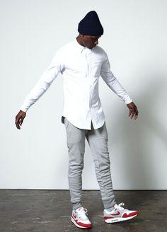 白シャツ,スウェットパンツ,エアマックス,メンズ着こなしコーデ