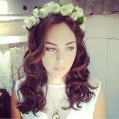 Turkish Fashion, Becky G, Turkish Actors, All Things Beauty, Flower Crown, Actresses, Long Hair Styles, Princess, Celebrities