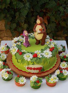 Ideas Decoración de fiesta de Cumpleaños Masha y el Oso http://tutusparafiestas.com/ideas-fiesta-masha-oso/