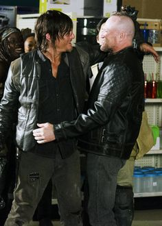 "MICHAEL ROOKER STOPPING BY ON THE SET OF FILMING SEASON 4 EPISODE 1  (IN THE ""BIG STOP"")"