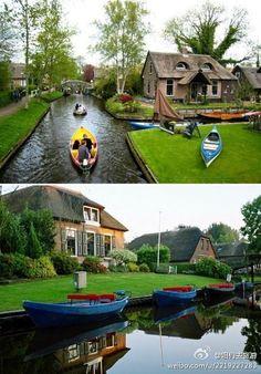 Giethoorn, Holland. A roadless village.