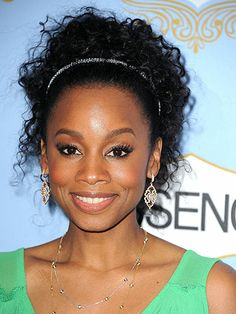 Anika Noni-Rose *a simple headband keeps lively curls from bouncing into your eyes...the key to a good, short haircut on textured hair is avoiding weighted blunt lines...ask your stylist to remove internal weight you want each curl to have the freedom to move in its own direction