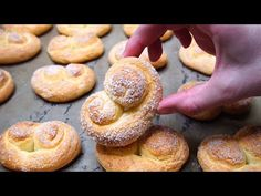 Крендели из творога Bread Dough Recipe, Bon Appetit, Biscotti, Doughnut, Food And Drink, Lunch, Cookies, Basket, Sweets