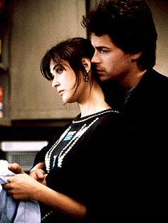 Demi Moore & Rob Lowe as Debbie Sullivan & Danny Martin in About Last Night 80s Movies, Great Movies, I Movie, Amazing Movies, Movie Stars, Last Night Movie, About Last Night, Film Music Books, Music Tv