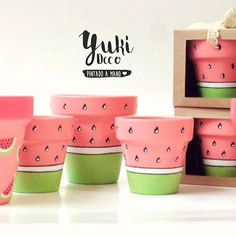 Risultati immagini per yuki deco Flower Pot Art, Flower Pot Design, Flower Pot Crafts, Clay Pot Crafts, Diy And Crafts, Crafts For Kids, Painted Plant Pots, Painted Flower Pots, Pottery Painting Designs