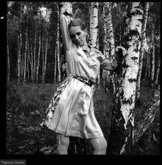 Małgorzata Braunek w sukience projektu Barbary Hoff, sesja mody, 1969 r., fot. Tadeusz Rolke