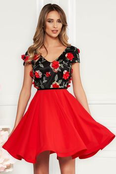 StarShinerS red occasional cloche dress voile fabric with v-neckline embroidered with floral details with effect Dress Outfits, Prom Dresses, Wedding Dresses, Baptism Dress, Dress Cuts, Floral Embroidery, Size Clothing, New Dress, June