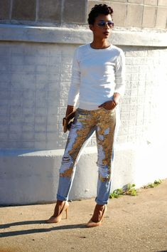 What better way to start my first post for 2015 with a pair ofsequin and distressed denim–no better combo! I truly believe this year willbefilled with more opportunities & surpris…