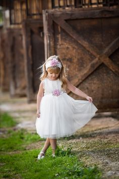 New christening collection 2020 made in Greece by Vivian Chatzeli. Baptism Outfit, Baptism Dress, Baptism Clothes, Greek Fashion, Christening, Boy Or Girl, Girl Outfits, Flower Girl Dresses, Spring Summer