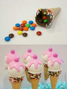 Cake pops cornets de crème glacée / Ice cream cone cake pops