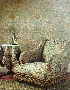 Wallpaper, Carpet, Upholstery, Glassware - William Morris Love this chair Craftsman Interior, Craftsman Style, William Morris Art, American Interior, Art And Craft Design, Victorian Design, Arts And Crafts Movement, Historic Homes, Interior Design Inspiration