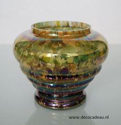 Sold *Bohemian *Art Deco Pique fleurs of iridescent Bohemian glass spatter. Sold. Art Deco Pique fleurs van iriserend Boheems spatter glas. Verkocht.