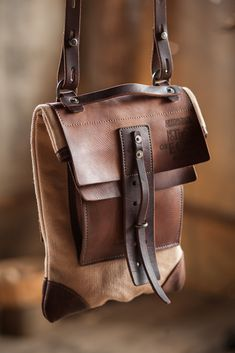 messenger bag on Behance Leather Gifts, Leather Bags Handmade, Leather Craft, Leather Men, Backpack Bags, Leather Backpack, Leather Wallet, Leather Purses, Leather Handbags