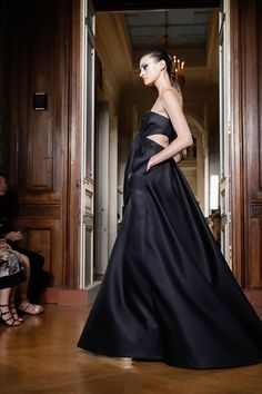 Valentino Couture Fall Winter 2018 PFW.
