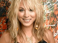 Celebrities are playing a key role in getting the word out about Canada's cruel hunt, including, Big Bang Theory star and animal lover, Kaley Cuoco. Kaley Cuoco, Celebrity Measurements, Blonde Actresses, Big Bang Theory, Beautiful Celebrities, Beautiful Women, Beautiful Actresses, Beautiful People, Miley Cyrus