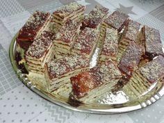 hatlapos Minion, Tiramisu, Food And Drink, Pie, Cookies, Ethnic Recipes, Sheet Cakes, Torte, Crack Crackers