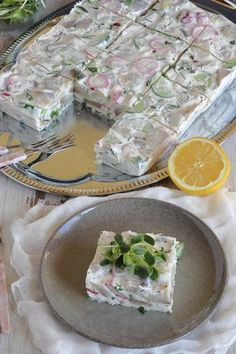 Terrina ze śledzi Kobieceinspiracje.pl Vegetarian Recipes, Healthy Recipes, Party Buffet, Polish Recipes, Appetisers, Vintage Recipes, Seafood Dishes, Fresh Rolls, Superfood