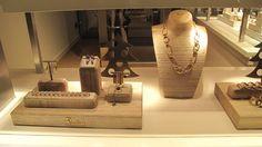 window display for jewellery shop - Căutare Google