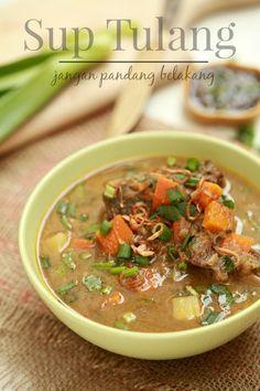 masam manis: Sup Tulang Jangan Pandang Belakang Korean Food Recipes, Lamb Recipes, Meat Recipes, Cooking Recipes, Malaysian Cuisine, Malaysian Food, Malaysian Recipes, Roti Canai Recipe, Healthy Meals