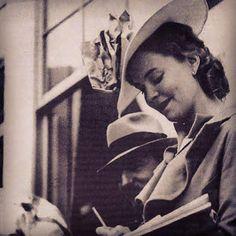 Elia Zaharia sfliatë me kapele për 77 vjetorin e martesës së mbretit Zog