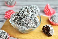 Raw Lamington kuličky (z datlí a ovesných vloček) Stevia, Vegan Recipes, Vegan Food, Cereal, Muffin, Good Food, Food And Drink, Low Carb, Paleo