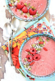 Antioxidant Packed Raspberry Smoothie Bowl {vegan, grain free, gluten free} #weightlossrecipes