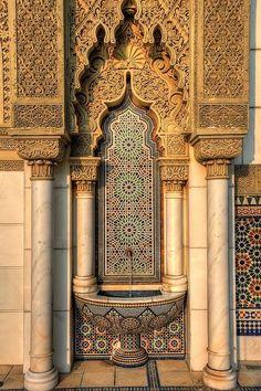 Beautiful architecture in Pakistan - Cultural Architecture Cultural Architecture, Art Et Architecture, Mughal Architecture, Beautiful Architecture, Mosaic Design, Pakistani Culture, Putrajaya, Beautiful Mosques, Moroccan Style