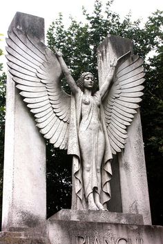 Bianchi tomb, Hampstead Cemetery by icb2011, via Flickr