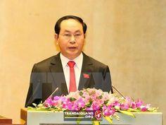Chủ tịch nước lên đường thăm cấp Nhà nước tới Lào