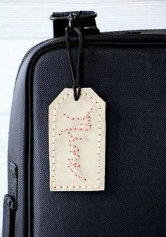 Every traveler needs a good DIY luggage tag.