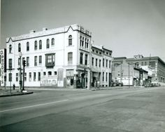 View looking west on Chouteau Avenue towards Seventh Street. (1960) Missouri History Museum