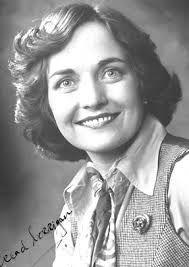 Mairead Maguire o Mairead Corrigan-Maguire es una activista y cofundadora, junto con Betty Williams, de Gente por la Paz, una organización que buscó soluciones pacíficas al conflicto armado norirlandés. Wikipedia      Fecha de nacimiento: 27 de enero de 1944 (edad 70), Belfast, Reino Unido    Cónyuge: Jackie Maguire (m. 1981)    Premios: Premio Nobel de la Paz