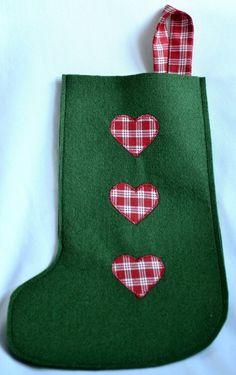 Serduszka - świąteczna skarpeta na prezenty (proj. Mamka), do kupienia w DecoBazaar.com