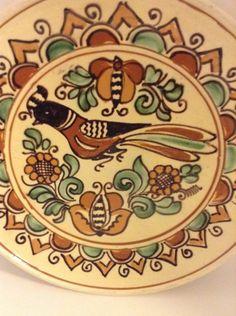 Beautiful Mathe Denes Korond Pottery Decorative Plate Multi Color Bird Flowers Vintage Beauty, Vintage Shops, Decorative Plates, Folk, Museum, Pottery, Hand Painted, Ceramics, Traditional