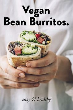 Easy vegan bean burrito recipe for a healthy and quick homemade plant-based lunc. Easy vegan bean burrito recipe for a healthy and quick homemade plant-based lunch or dinner! Quick Easy Vegan, Quick Healthy Meals, Vegan Recipes Easy, Vegetarian Recipes, Cooking Recipes, Cooking Tips, Vegetarian Vietnamese, Vegetarian Italian, Freezer Recipes