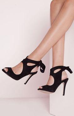 Bow back heels