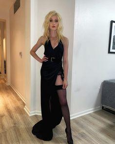 Celebrities in Stockings Katherine Mcnamara, Celebrities In Stockings, Celebrity Stockings, Miss Perfect, Sexy Legs, Nice Tops, High Fashion, Vogue Fashion, Fashion Hair