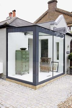 A Beginners Guide to Glass Box Extensions - IQ Technical - Contemporary house extentions - Anbau House Extension Design, Extension Designs, Glass Extension, House Design, Garden Design, Garden Room Extensions, House Extensions, Modern Exterior, Exterior Design