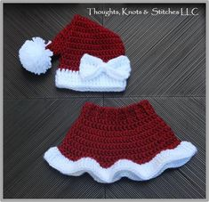 Claus& Santa Hat & Skirt Crochet Pattern & Size: The post Mrs. Claus& Santa Hat & Skirt Crochet Pattern & Size: appeared first on Pink Unicorn. Baby Girl Crochet, Crochet Baby Clothes, Newborn Crochet, Crochet Baby Hats, Crochet Beanie, Crochet For Kids, Baby Knitting, Crochet Santa Hat, Crochet Christmas Hats
