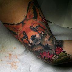 New Tattoo Traditional Fox Love Ideas Zorro Tattoo, Fox Tattoo, Wolf Tattoos, Animal Tattoos, Life Tattoos, Body Art Tattoos, New Tattoos, Tattoos For Guys, Sleeve Tattoos