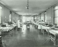 Mile End Hospital: nurses at work on a hospital ward.