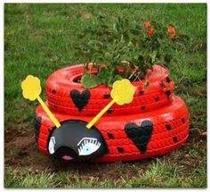 https://www.facebook.com/lacasadepinturas COMO RECICLAR NEUMÁTICOS PARA EL JARDÍN. No te lo pierdas y dale un nuevo uso a un viejo neumático. El reciclaje está muy de moda, y en el mundo de la jardinería también.En el vídeo os mostramos como reciclar neumáticos para convertirlos también en improvisados maceteros para el jardín. De esta manera lograremos un original jardín con neumáticos.